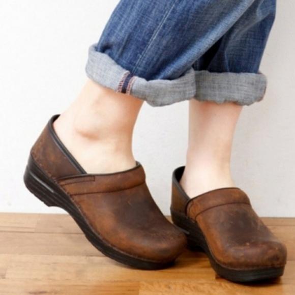 d1f44d62a7967 Dansko Antique Brown Clog Size 40